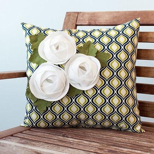 Ranunculus Pillow