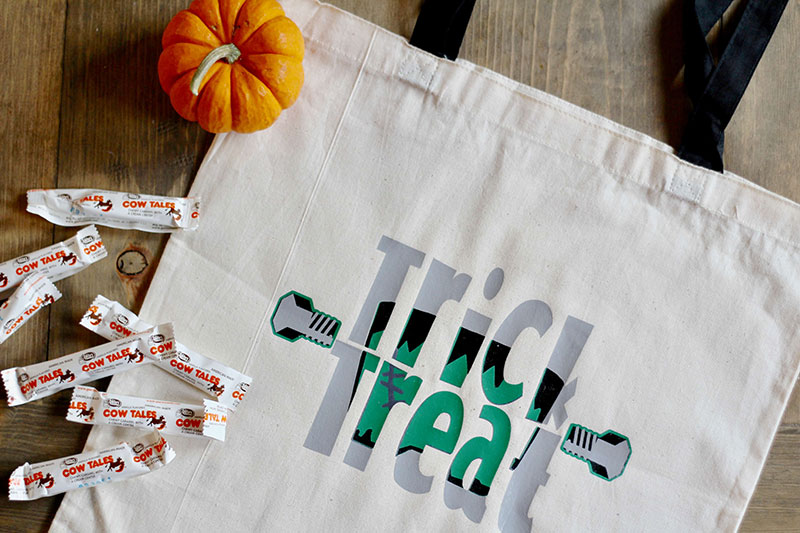 Trick or Treat Bag with the Knockout method