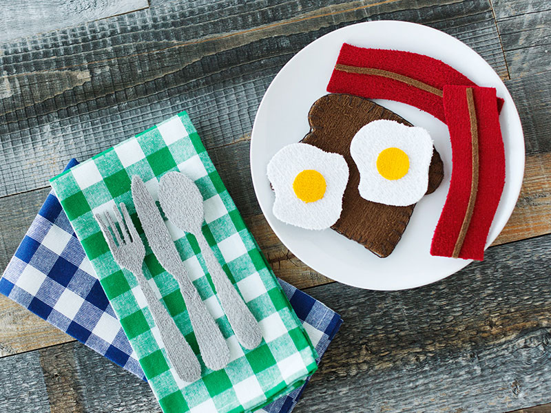 Make this fun play food with craft foam