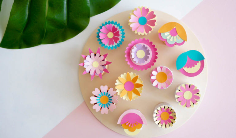You can upcycle your tube into a Flower Container Board