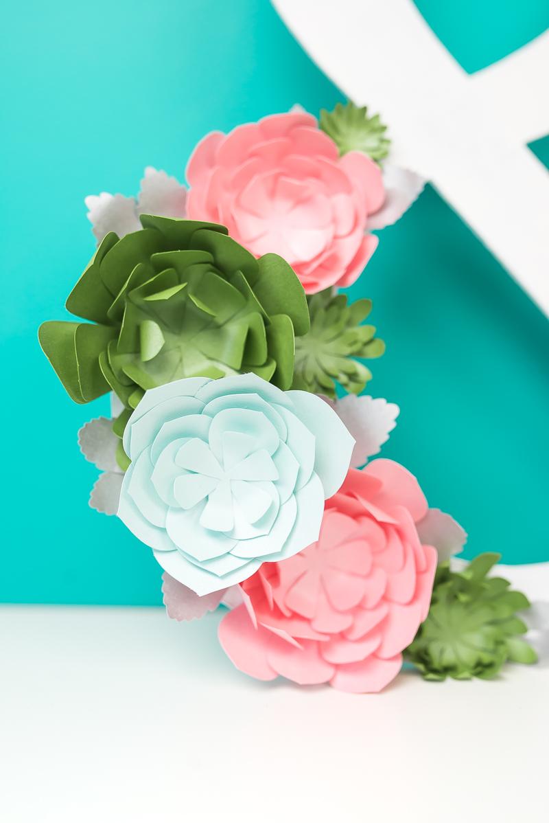 Assembling paper succulents