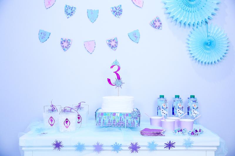 Disney Frozen party, Disney Frozen water bottle, disney party