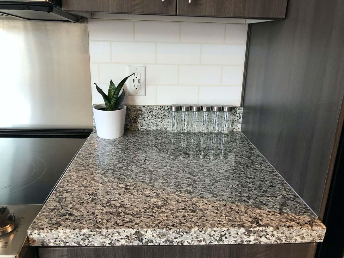 Faux kitchen subway tile backsplash with Cricut