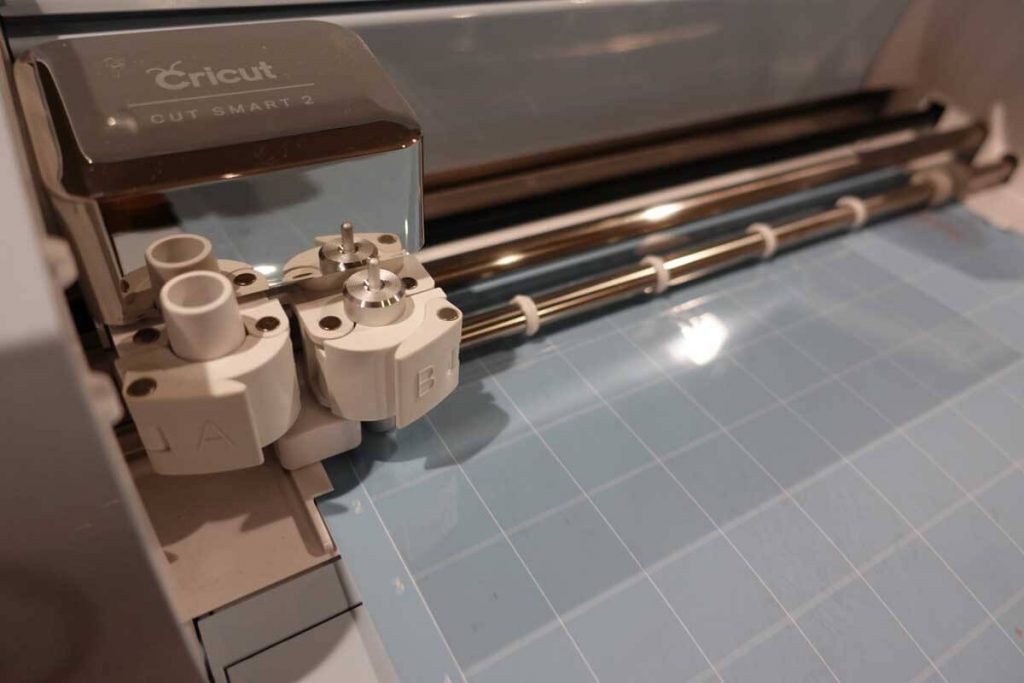 Cricut Explore Air 2 cutting acetate for stencils