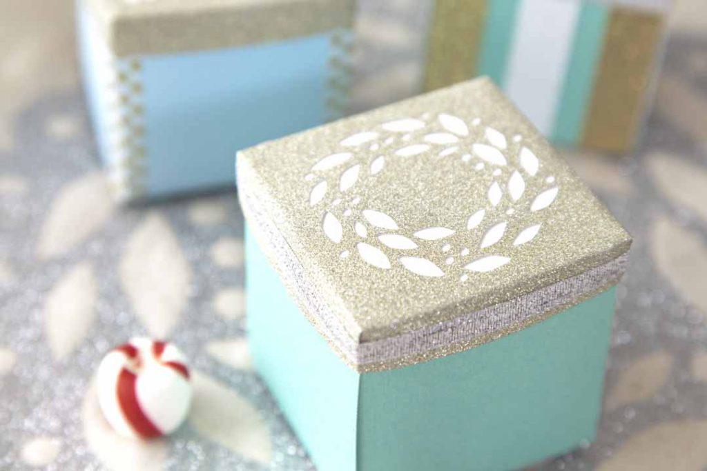 Paper box with wreath embellishment