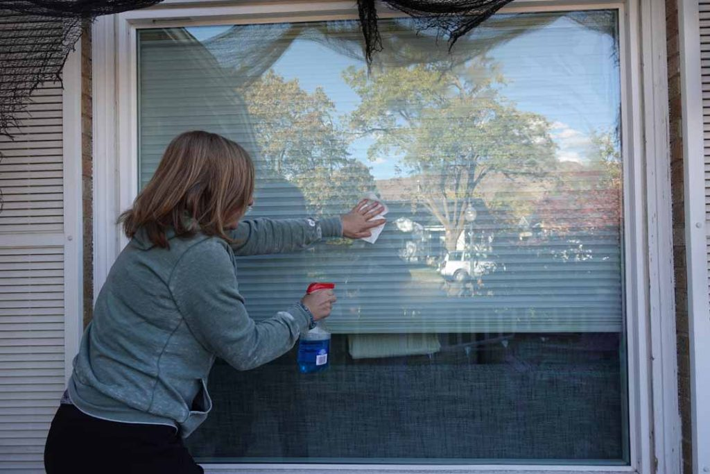 cleaning windows for vinyl decals