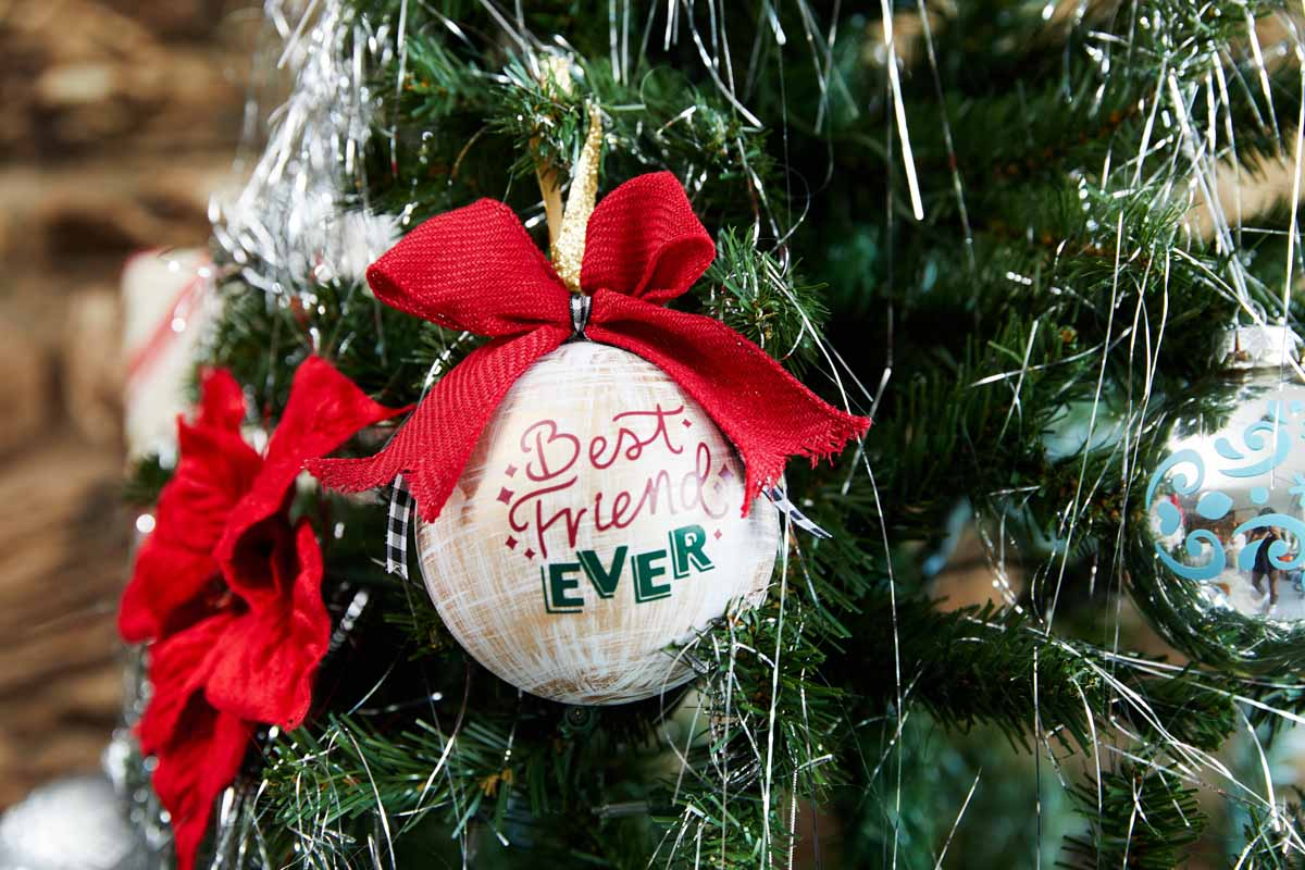 DIY Best Friends Forever Christmas tree ornament  from Zooey Deschanel and Cricut
