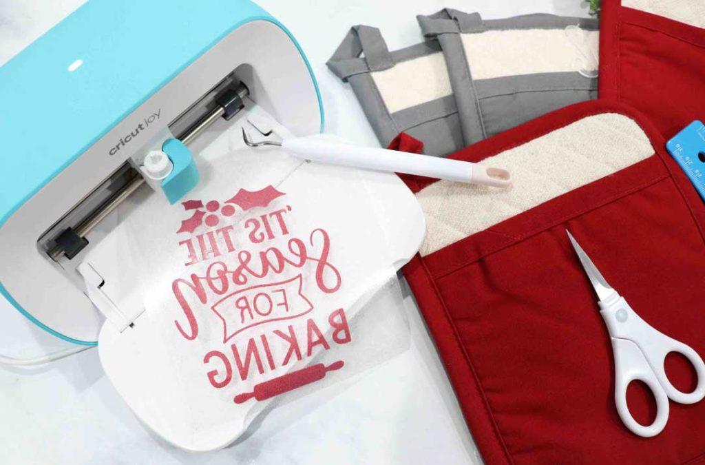Amy Latta - DIY Holiday Gift Guide with Cricut Joy
