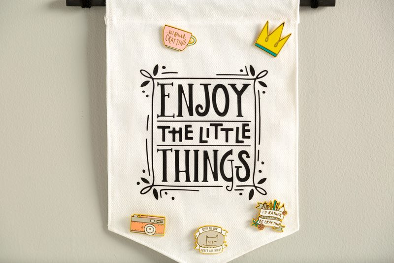 Cricut projects, enjoy the little things pin holder banner