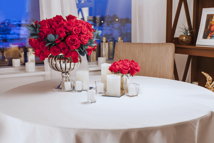 Valentine's Day dinner tablescape