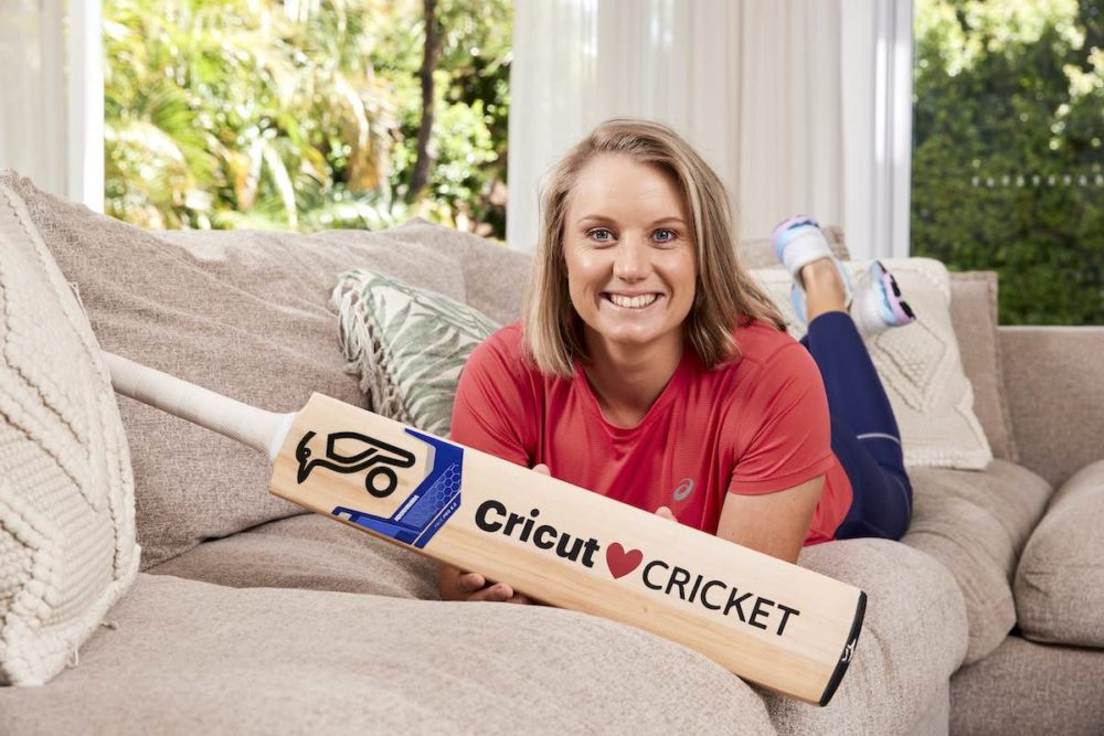 Alyssa Healy using Cricut Joy for personalizing cricket goodies