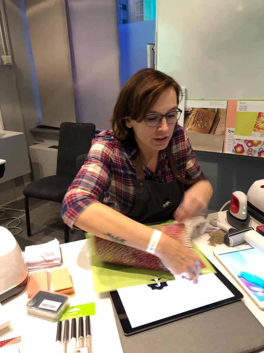 Tamara Tigchelaar - working with her Cricut machines