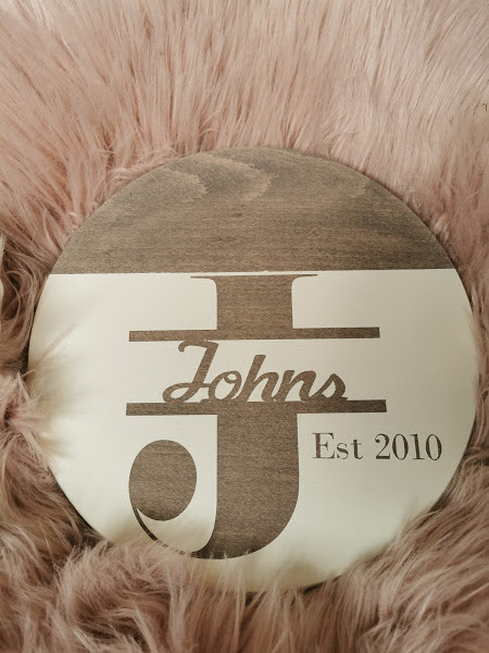 Lisa Johns - wood round sign