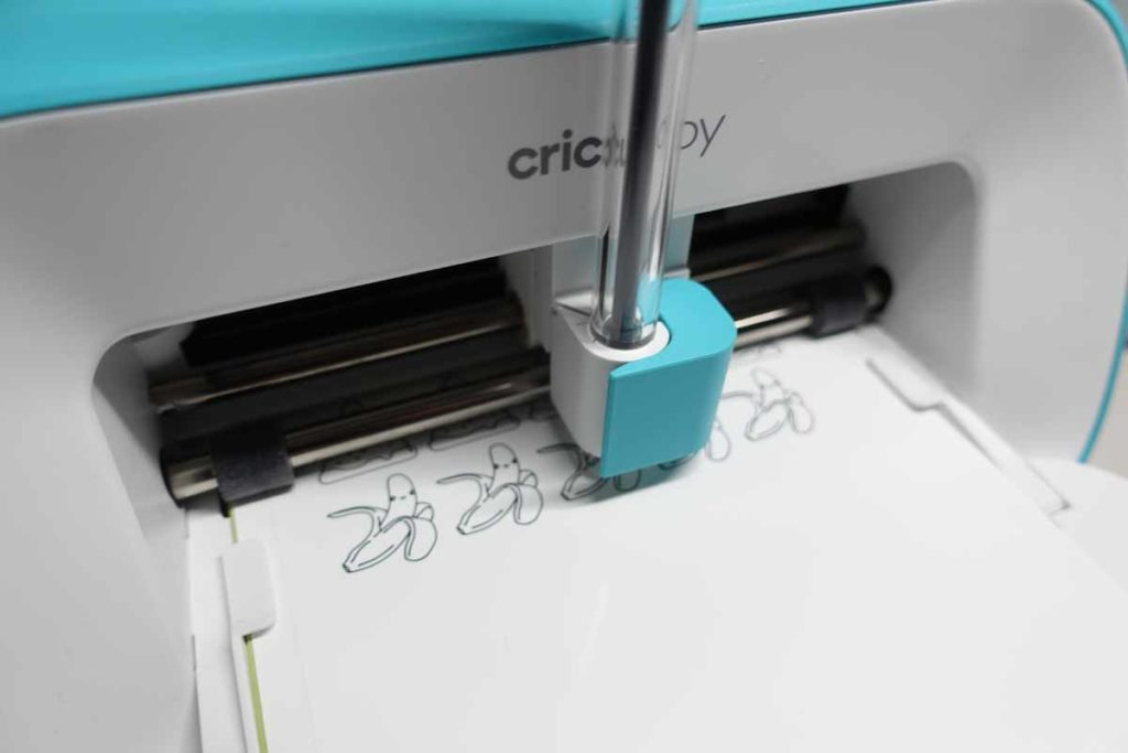 Cricut Joy drawing and cutting labels