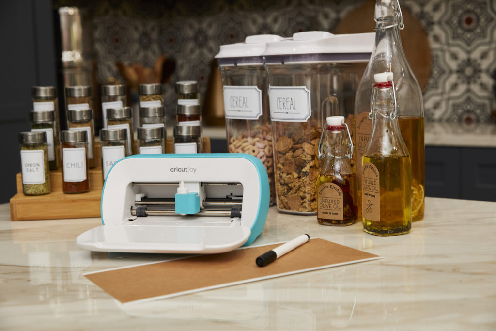Cricut Joy with Smart Label and labeled items