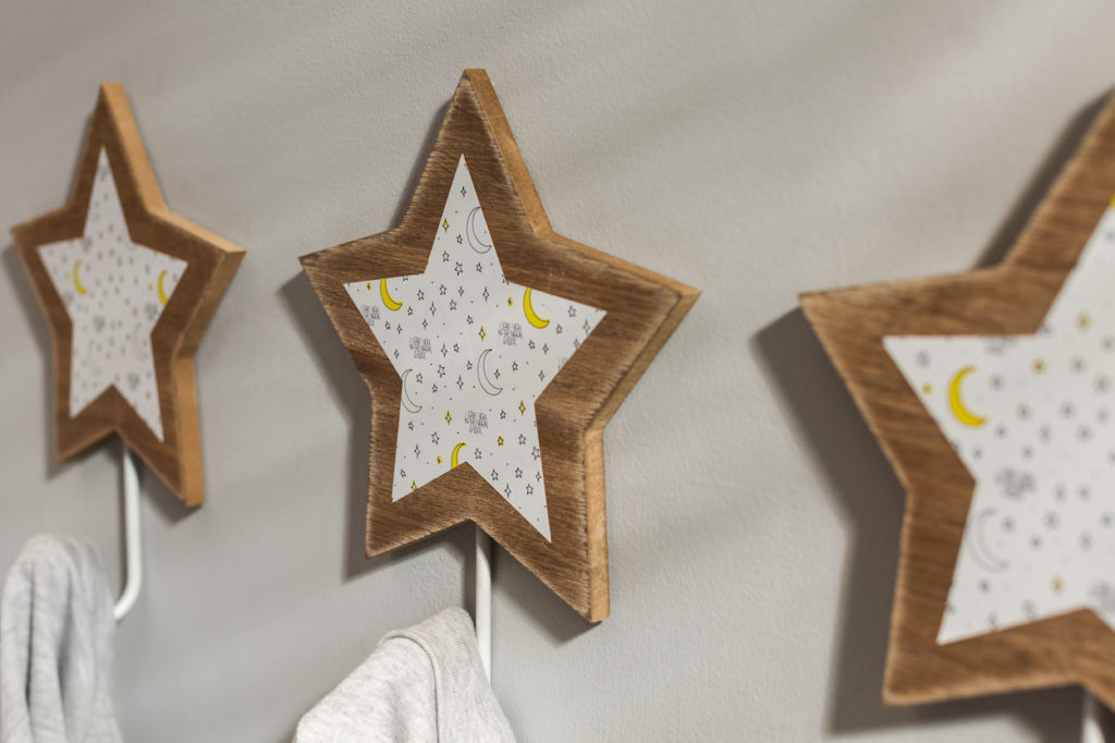 Star-shaped wall hooks