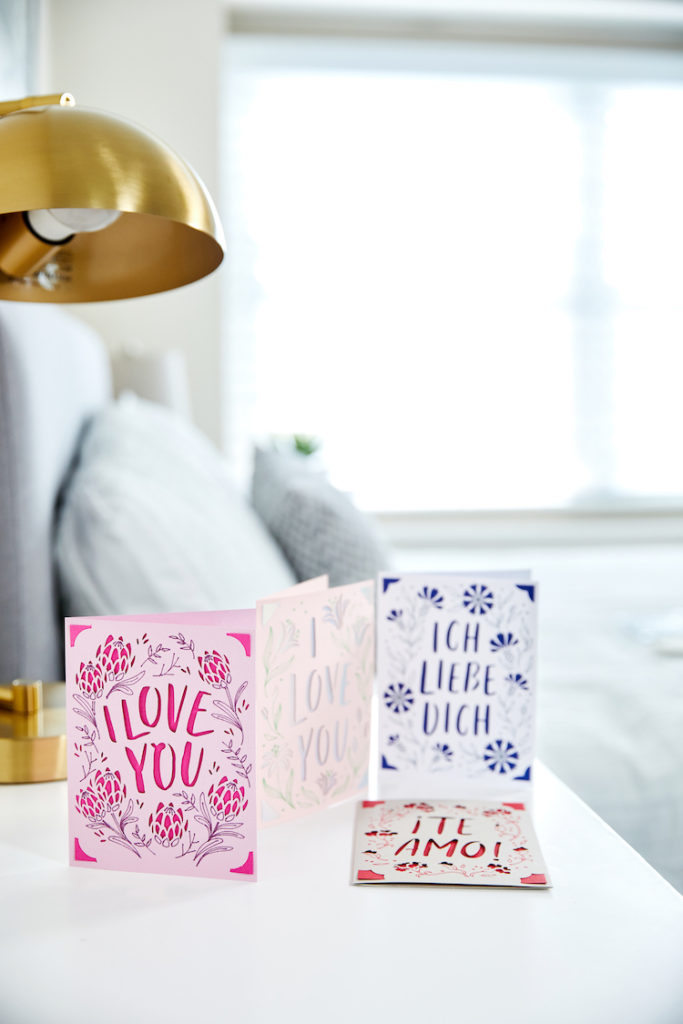 """I love you"" in different languages on greeting cards"