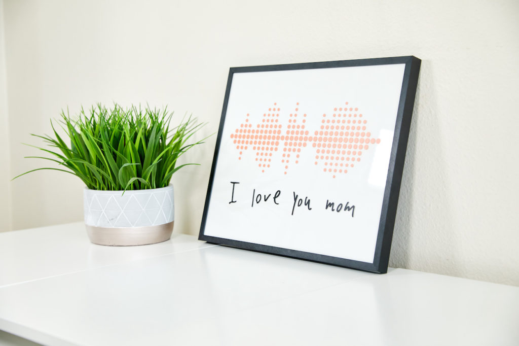 """I love you mom"" soundwave art"